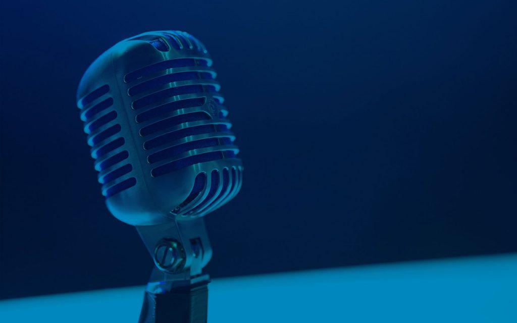Si quieres seguir formándote en SEO (o posicionamiento en buscadores), también puedes hacerlo en formato audio con esta selección de los mejores podcast en español